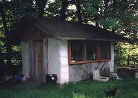 Strawbale cabin in Wales built by Kevin Beale